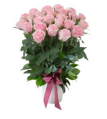 Best barcelona florist flower deliveryme day luxury flower gift flowers barcelona luxury roses in ceramic pot in barcelona negle Images