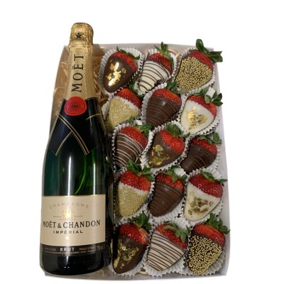 Indulgent-Moet-Chocolate-Strawberry-BoxWS